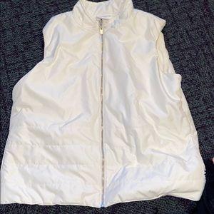 White vest M